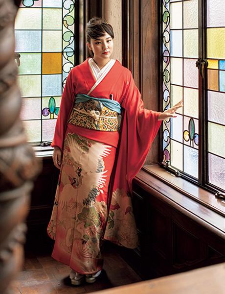樹木希林さんの振袖を着る内田伽羅さん