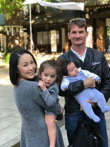 大井真理子さんと家族